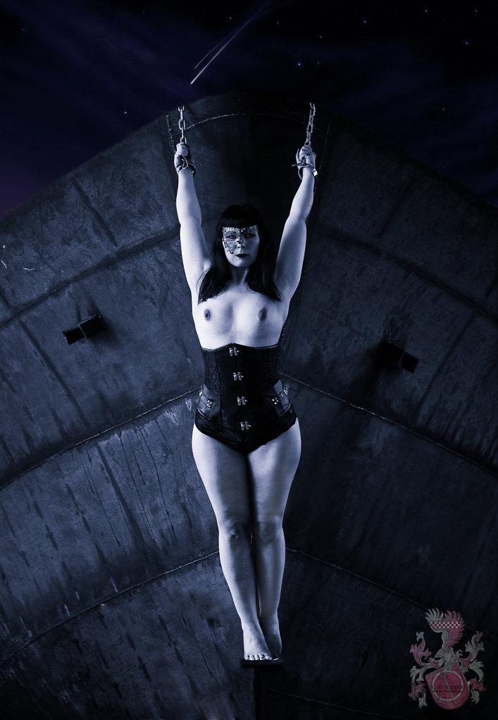 Fetisch-BDSM-Bondage-Lost-Place-Model-Claudia-Diamond-SvenSpannagel-Fotografie-5.jpg