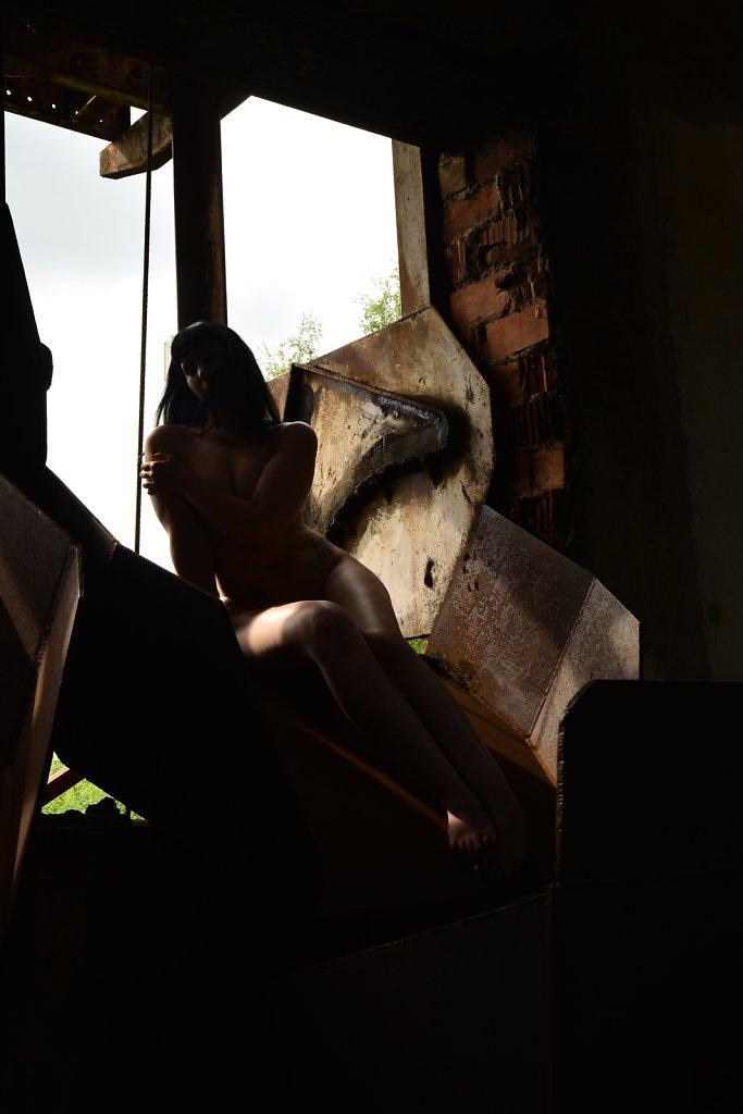Lost-Place-Akt-Dessous-Model-Claudia-Diamond-SvenSpannagel-Fotografie-6.JPG