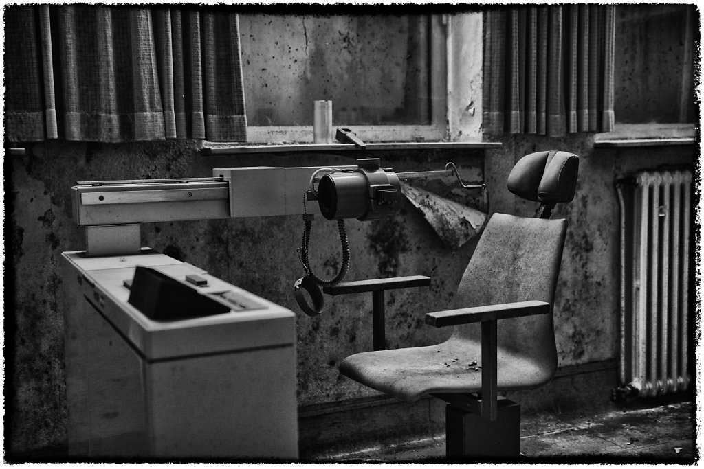 lostplace-svenspanngel-fotografie-klinik-horror-lost-place-3.jpg