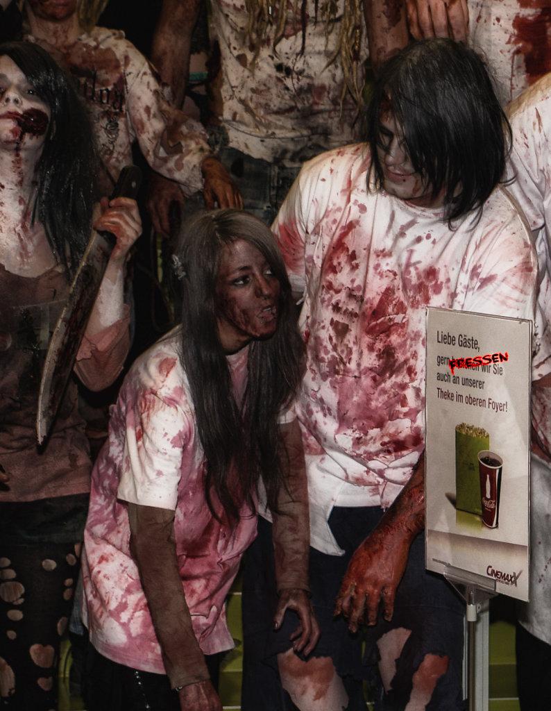 the-walking-dead-cinemaxx-bielefeld-zombie-walk-svenspannagel-fotografie-zombie-horror-7.jpg