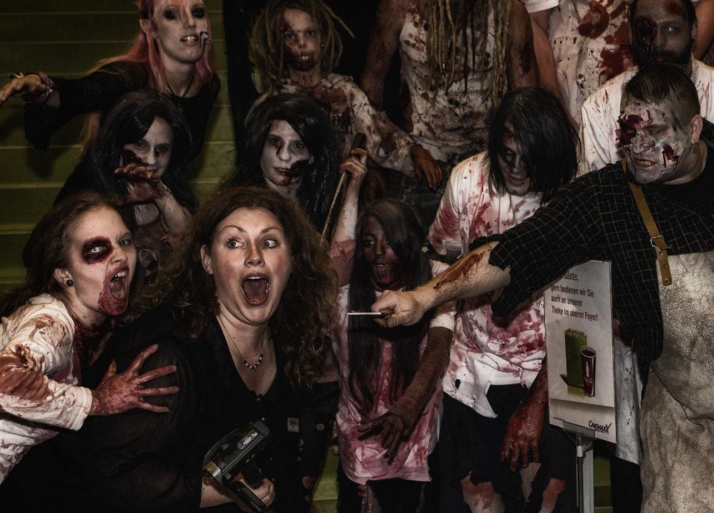 the-walking-dead-cinemaxx-bielefeld-zombie-walk-svenspannagel-fotografie-zombie-horror-8.jpg
