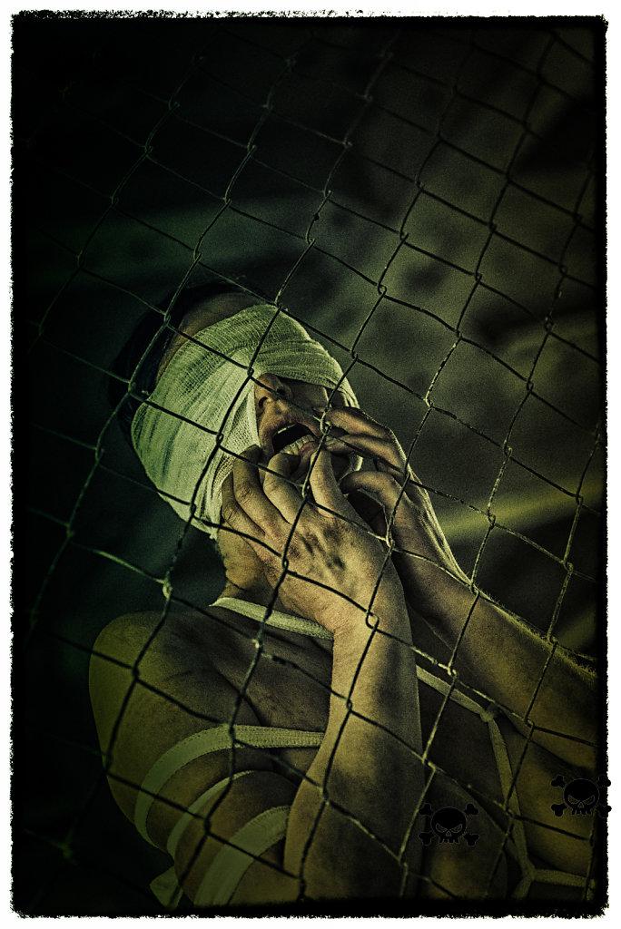 bondage-fetisch-lost-place-horror-modell-desty-ropemotion-svenspannagel-fotografie-horror-fb.jpg