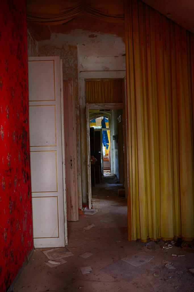 lost-place-anna-L-DrPain-svenspannagel-fotografie-urbex-urologen-villa-lostplace-rotten-place-12.jpg