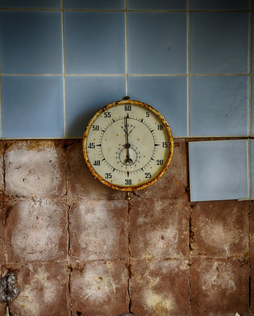 lost-place-anna-L-DrPain-svenspannagel-fotografie-urbex-urologen-villa-lostplace-rotten-place-16.jpg