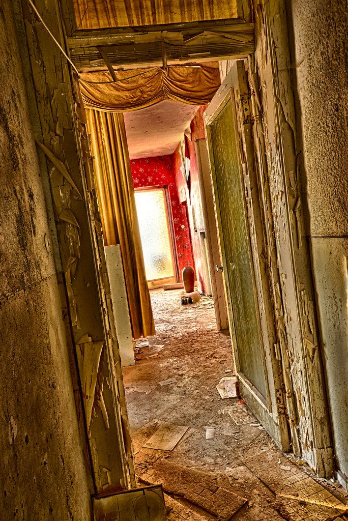 lost-place-anna-L-DrPain-svenspannagel-fotografie-urbex-urologen-villa-lostplace-rotten-place-26.jpg
