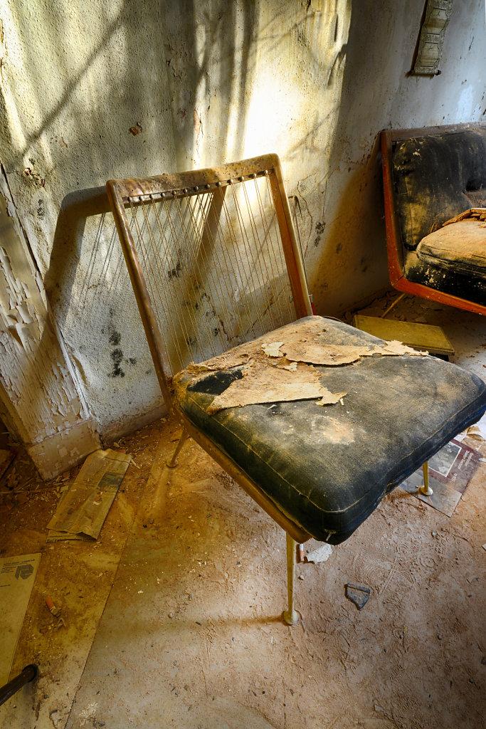 lost-place-anna-L-DrPain-svenspannagel-fotografie-urbex-urologen-villa-lostplace-rotten-place-27.jpg