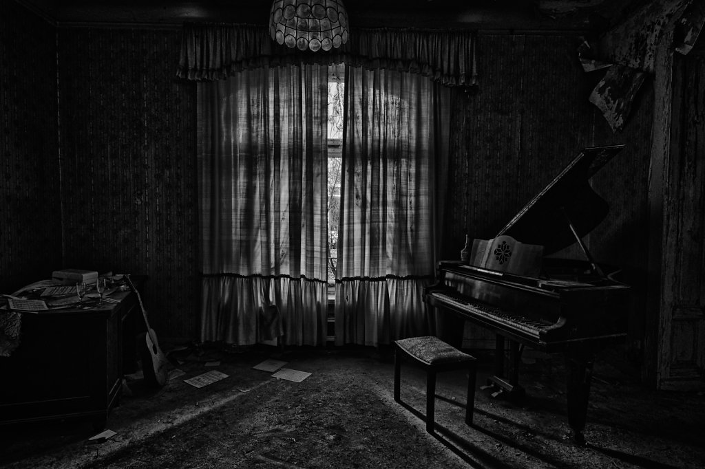 lost-place-anna-L-DrPain-svenspannagel-fotografie-urbex-urologen-villa-lostplace-rotten-place-28.jpg