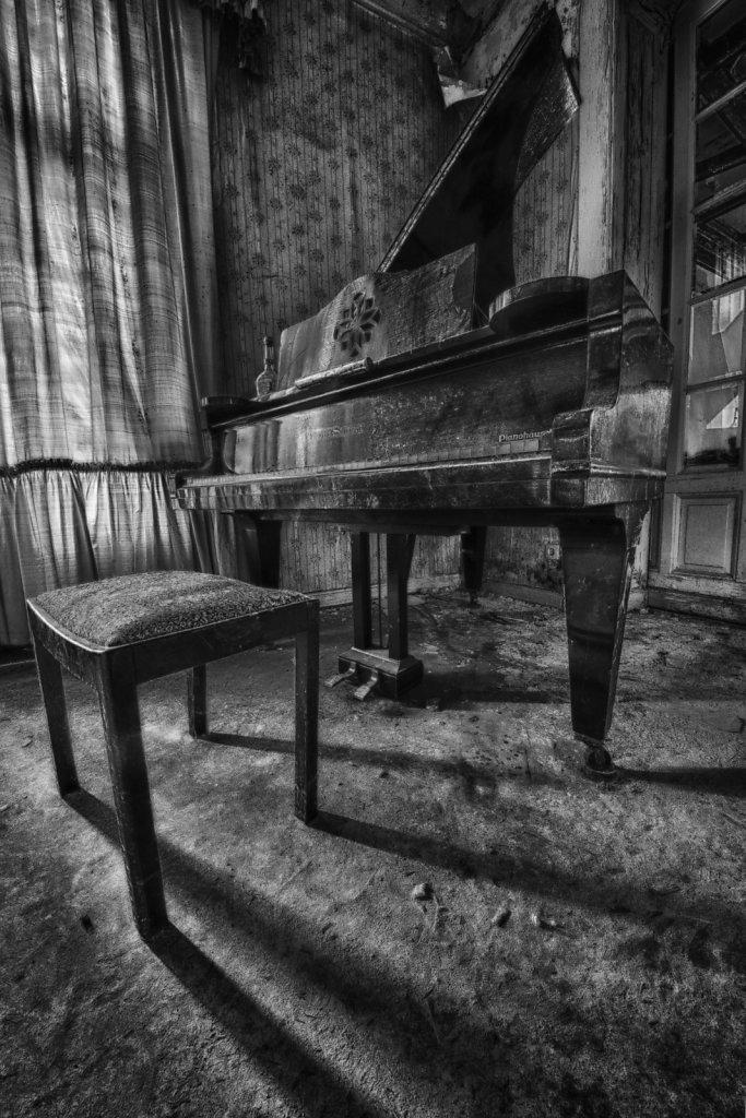 lost-place-anna-L-DrPain-svenspannagel-fotografie-urbex-urologen-villa-lostplace-rotten-place-31.jpg