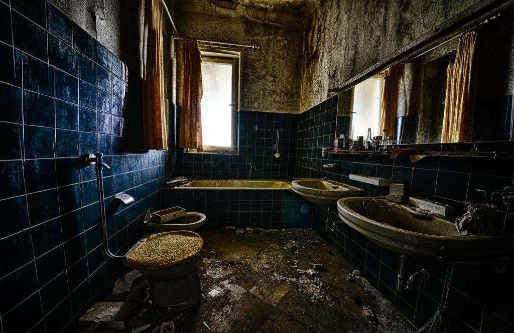 lost-place-anna-L-DrPain-svenspannagel-fotografie-urbex-urologen-villa-lostplace-rotten-place-41.jpg
