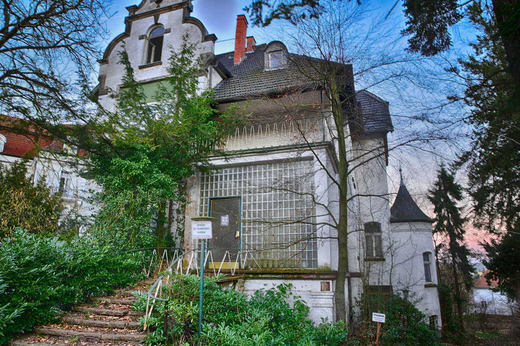 lost-place-anna-L-DrPain-svenspannagel-fotografie-urbex-urologen-villa-lostplace-rotten-place-57.jpg