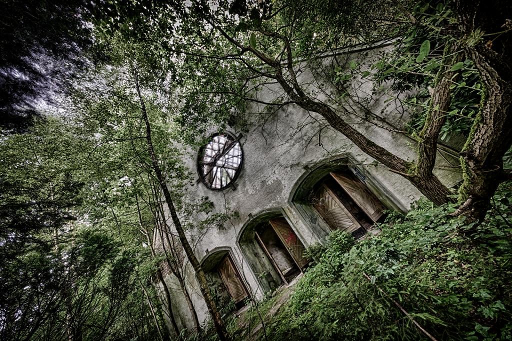 lost-place-victoria-barracks-svenspannagel-fotografie-urbex-kirche-3.png