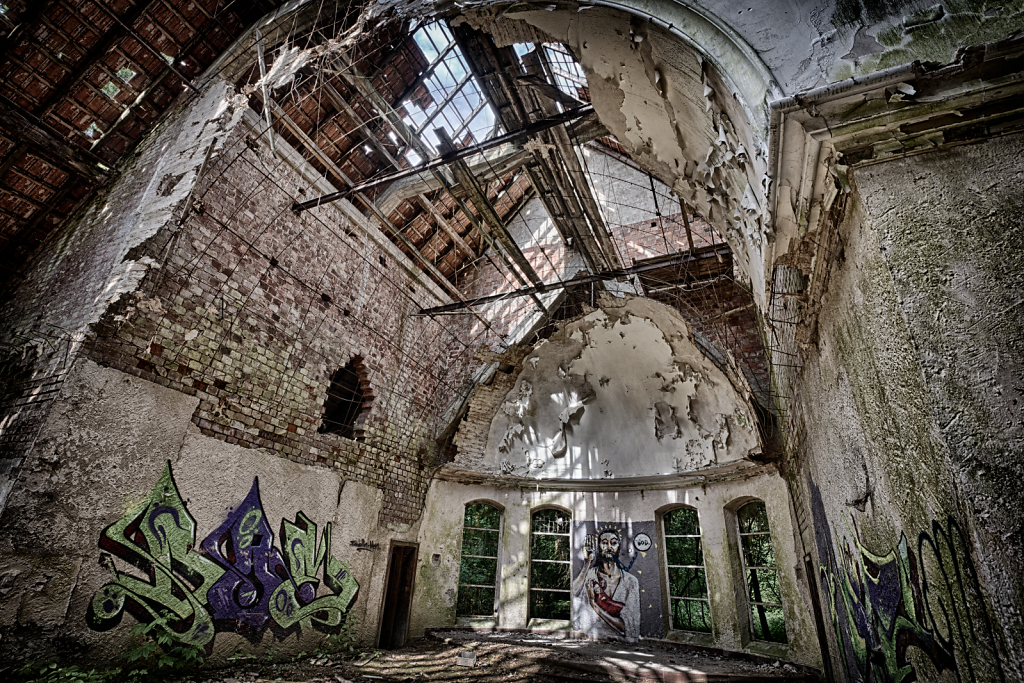 lost-place-victoria-barracks-svenspannagel-fotografie-urbex-kirche-7.png