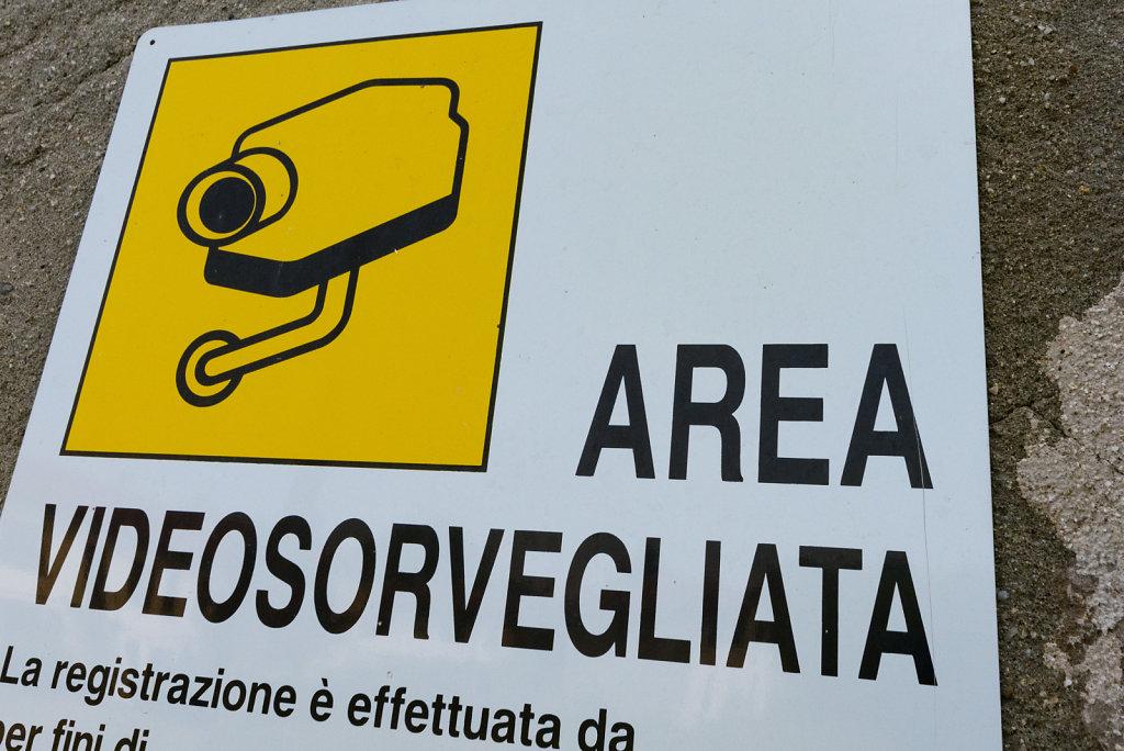 Lost-place-italien-im-schatten-des-atoms-all-ombra-dell-atomo-verlassendes-dorf-svenspannagel-fotografie-urbex-31.jpg