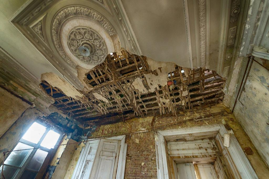 Lost-Place-Chateau-Congo-belgien-urbex-svenspannagel-fotografie-17.jpg