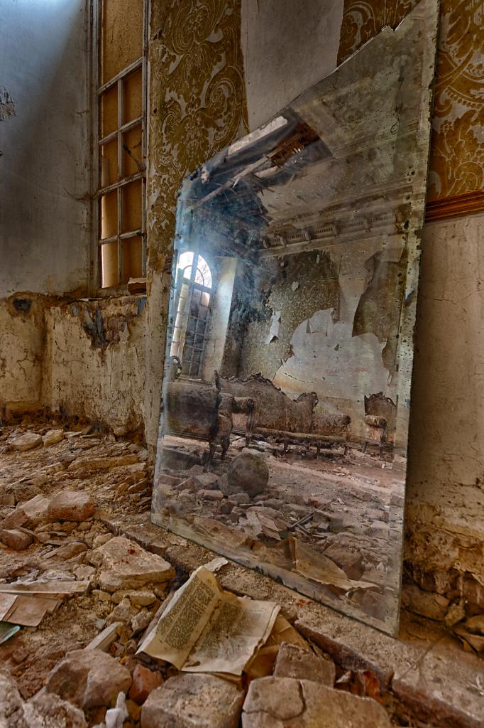 Lost-Place-Chateau-Congo-belgien-urbex-svenspannagel-fotografie-1.png