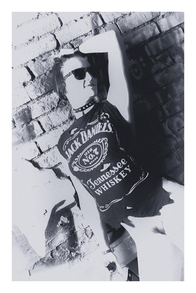 Whiskey-rocks-gasmasken-svenspanangel-fotografie-fetisch-bdsm-lost-lostplace-urbex-nude-akt-2.jpg