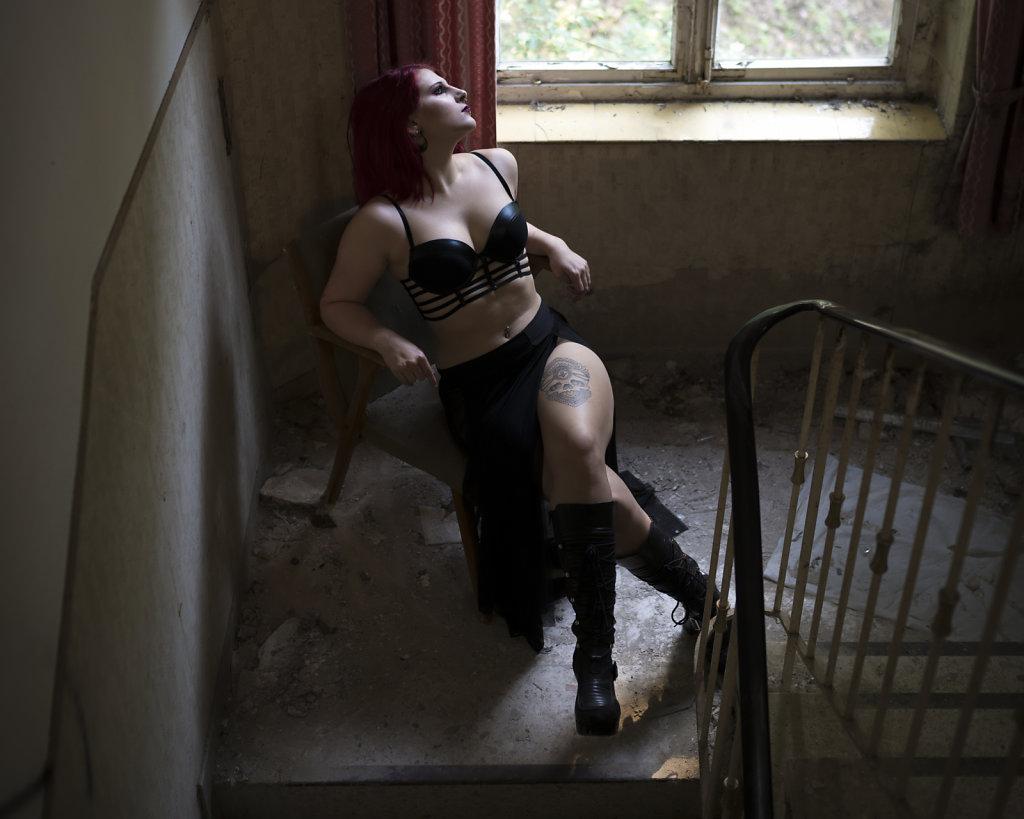svenspannagel-fotografie-model-alastriona-fire-urbex-lostplaces-lost-horror-nurse-6.jpg