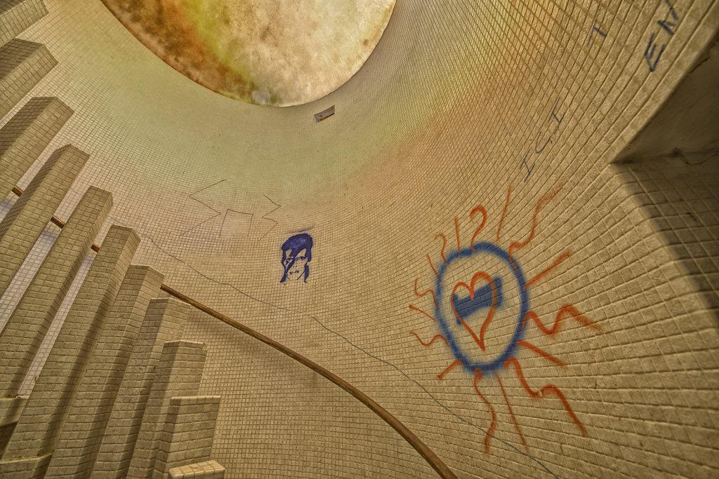 urbex-manoir-colimacon-frankreich-svenspannagel-fotografie-lost-places-gothic-treppe-maison-29.jpg