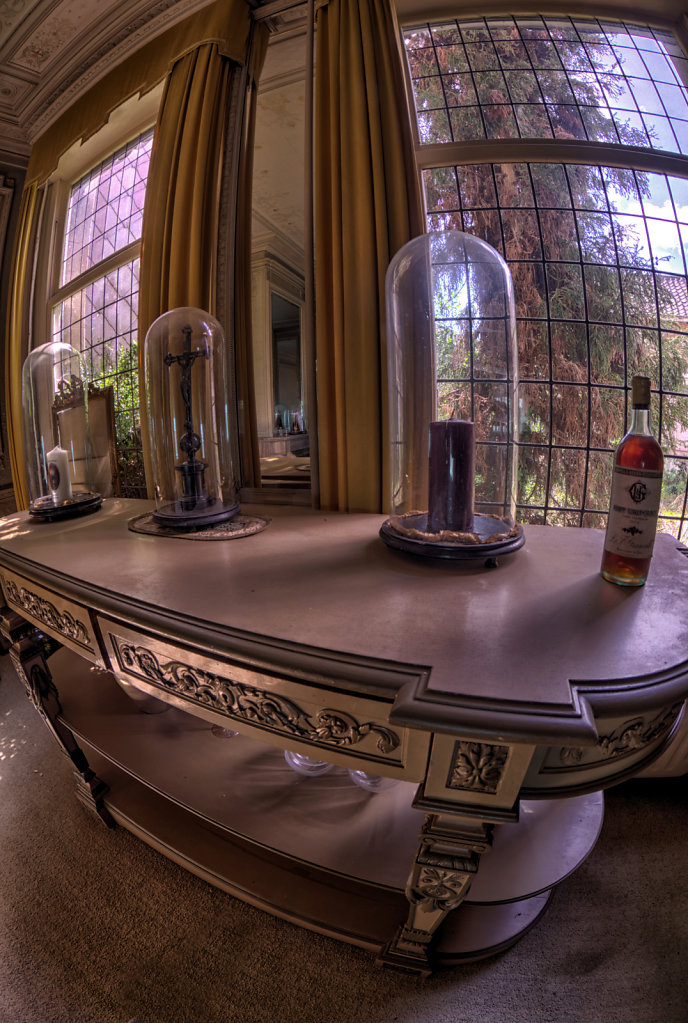 Maison-Annabelle-villa-tea-time-urbex-lostplaces-lost-place-svenspannagel-fotografie-belgien-verlassen-5.jpg